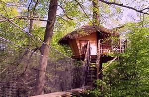 Cabane zen Cabane dans les arbres insolite à Pons