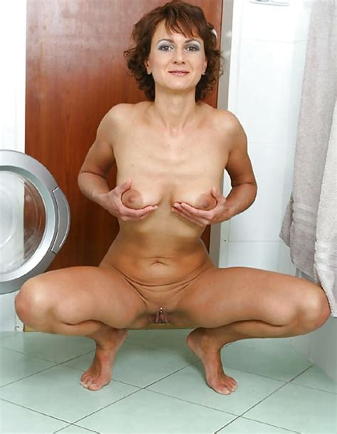 Hot Horny Mature Shows Pussy And Asshole 6 Pics Xhamster