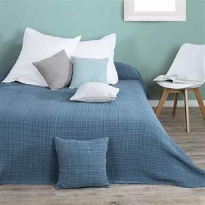 Couvre Lit Bleu Canard : couvre lit 230 x 250 cm enza bleu couvre lit boutis eminza ~ Teatrodelosmanantiales.com Idées de Décoration