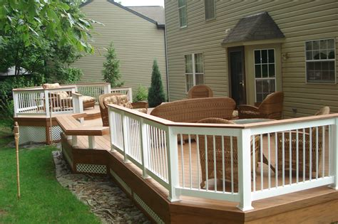 choosing  deck plastic  wood archadeck
