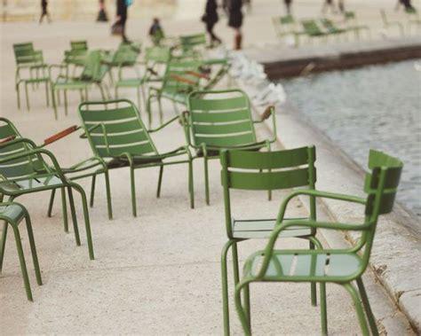 chaise fermob luxembourg fermob chairs même couleur que les chaises du jardin du luxembourg franse binnentuin