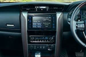 Removal   Fortuner Gd-6 2 8 Radio Head Unit