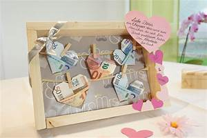 Geld Schenken Hochzeit Verpacken : geldscheine an der w scheleine zur hochzeit ~ Watch28wear.com Haus und Dekorationen