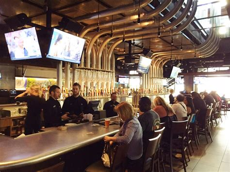 yard house review las vegas celebrity radio  alex belfield