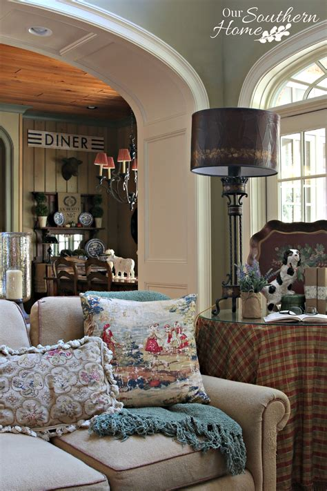 cozy  home decorating  southern home