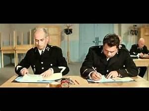 Le Gendarme Se Marie Complet Youtube : le gendarme se marie louis de funes french movies pinterest ha ha and watches ~ Maxctalentgroup.com Avis de Voitures