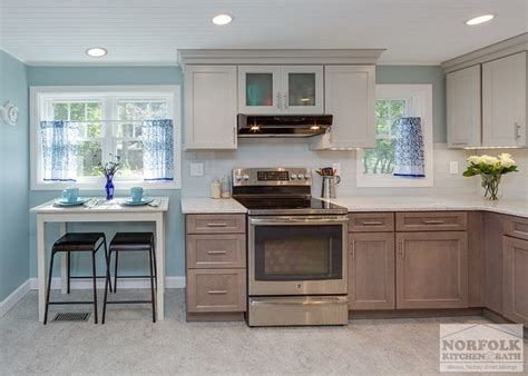 it kitchen cabinets 1000 ideas about two toned walls on two tone 1996