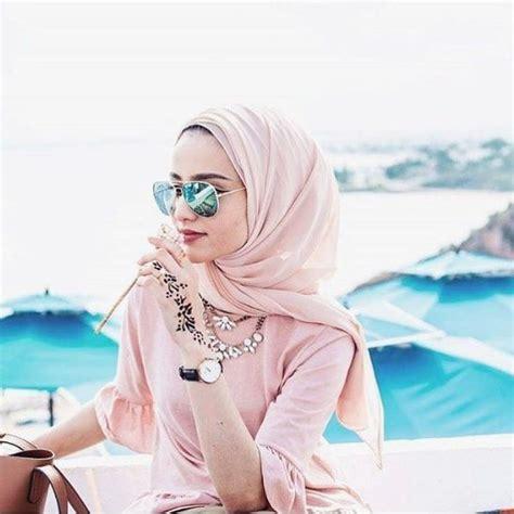 3 Tips Outfit Hijab Buat ke Pantai - Facetofeet.com