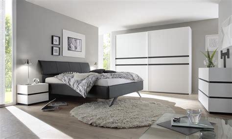 chambre contemporaine grise trouver sa chambre à coucher le matelpro com