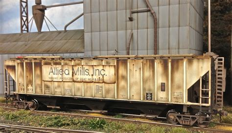 railroad covered hoppers weathered hopper hobbyist mills allied trains seeing june site