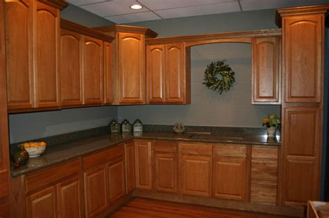 legacy kitchen cabinets legacy oak kitchen cabinets home design traditional 3711