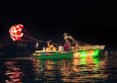 Where To Park For Newport Beach Boat Parade by Where To Find A Holiday Boat Parade In Southern California