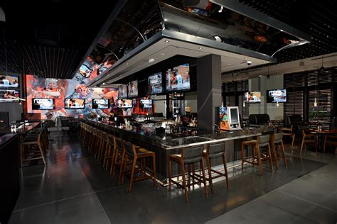 deck sports grill hallandale frankey s sports bar opens at the at gulfstream