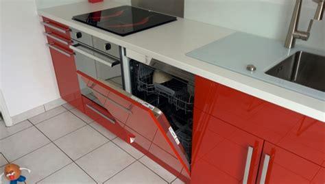 plinthe cuisine schmidt meuble cuisine lave vaisselle dtail sur le sous escalier