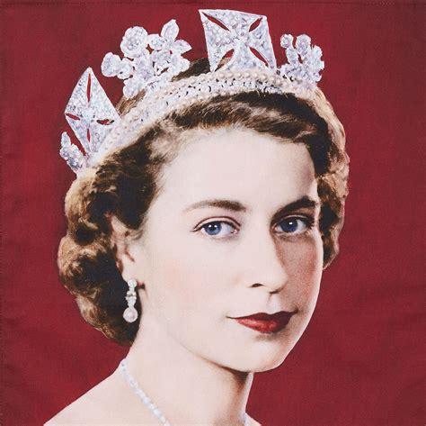 Queen Elizabeth II Cotton Tea Towel - National Portrait Gallery Shop