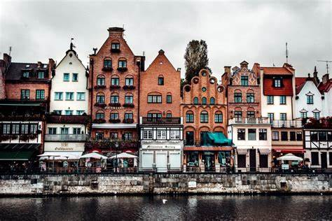This cheerful maritime city owes its present grandeur to a thousand year of. Old Town Gdansk // A Complete Weekend Guide