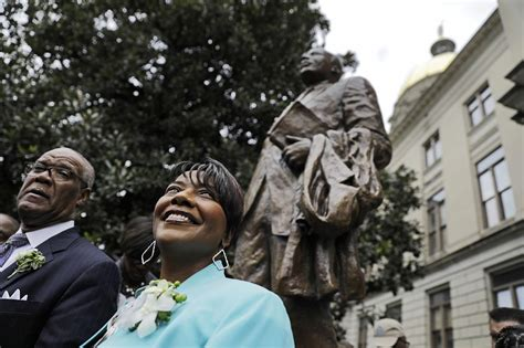 Statue of Martin Luther King Jr. unveiled in his hometown ...