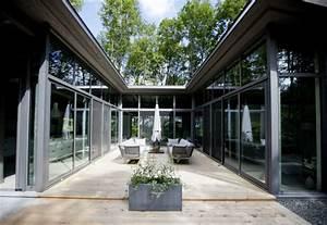 Cour De Maison : une maison faite pour durer lucie lavigne maisons ~ Melissatoandfro.com Idées de Décoration