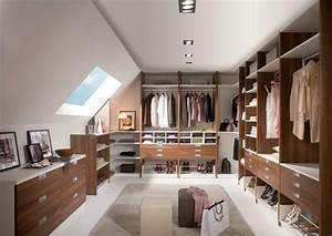 Ankleide Mit Dachschräge : offener kleiderschrank 39 beispiele wie der ~ Sanjose-hotels-ca.com Haus und Dekorationen