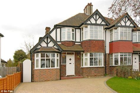 semi detached homes   bedrooms  britains