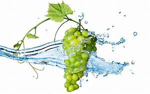 Grapes Fruit On The Water Wallpaper Wallpaper | WallpaperLepi