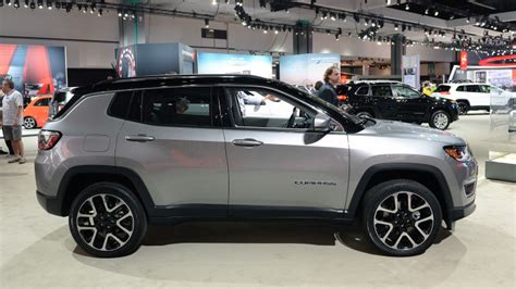 jeep compass all black 2017 2017 jeep compass is finally a compact crossover worthy of
