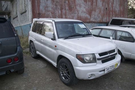 mitsubishi pajero io 2013 mitsubishi pajero io pictures information and