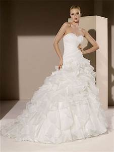 Simple Romantic Ball Gown Strapless Sweetheart Organza ...