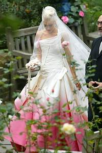 rock wedding gwen stefani wedding dress photo 2046914 With gwen stefani wedding dress