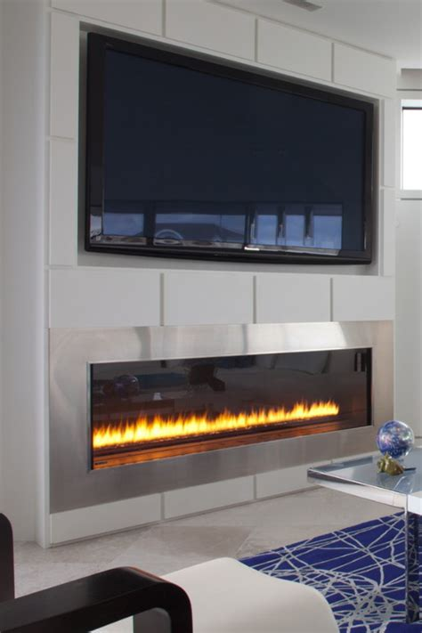 Fireplace With Tv Above by Exceptional Tv And Fireplace 4 Gas Fireplace With Tv