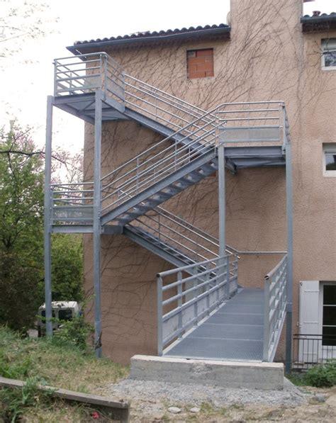 re escalier exterieur fer forge 28 images escalier ext 233 rieur en colima 231 on marche en