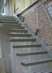 Treppe 3 Stufen Aussen : auskragende treppe befestigung gel nder f r au en ~ Frokenaadalensverden.com Haus und Dekorationen