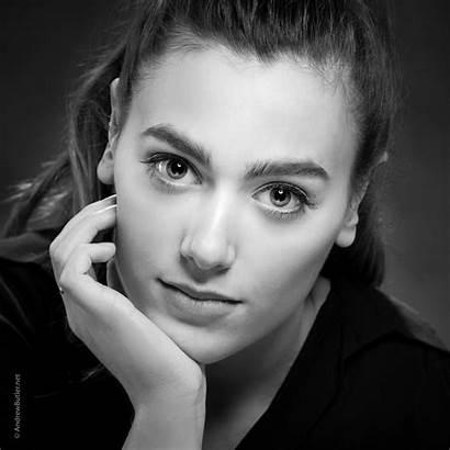 Headshot Headshots Photographer Portrait Female Portraits Ex1