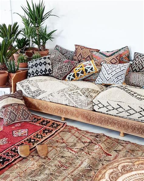 Living Room Corner Ideas by Best 25 Ethnic Living Room Ideas On Pinterest