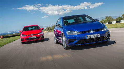 Volkswagen Golf Gti R by Volkswagen Golf Gti Vs R Which Should You Buy