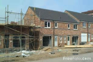 build a house free house building pictures free use image 13 19 7 by freefoto