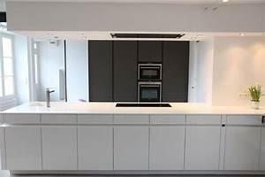 cuisine fermee en longueur 8 en bois couleur lave With cuisine fermee en longueur
