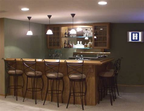 Bar Pictures Ideas by 25 Best Ideas About Small Basement Bars On