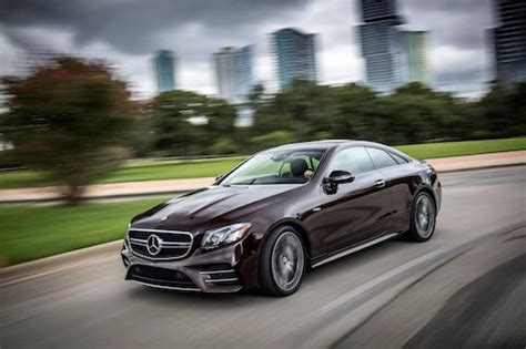 mercedes benz amg  coupe dazzles