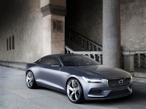 volvo  coupe rumored  arrive