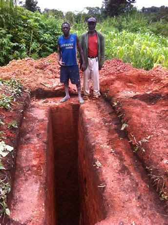 latrinen toiletten gs beisen bali nyonga kamerun afrika