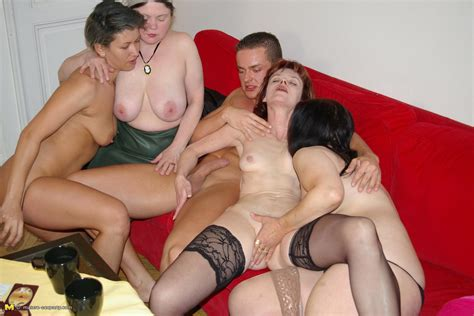 Loads Of Horny Mature Sluts Sharing One Single Cock At