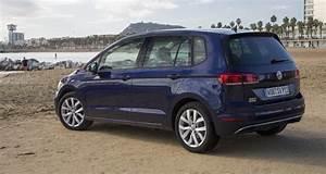 Essai Golf Sportsvan Tsi 125 : volkswagen golf sportsvan 2018 essai du monospace compact ~ Medecine-chirurgie-esthetiques.com Avis de Voitures