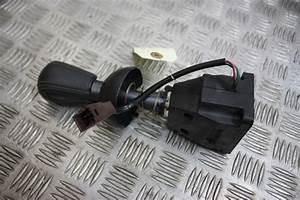 Clio 4 Boite Automatique : pommeau levier vitesse boite automatique clio 3 part number 8200915414 ~ Gottalentnigeria.com Avis de Voitures