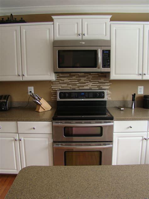 kitchen range backsplash the backsplash