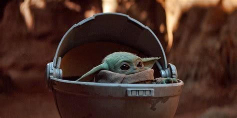 Star Wars: The Mandalorian Debuts Adorable Baby Yoda ...