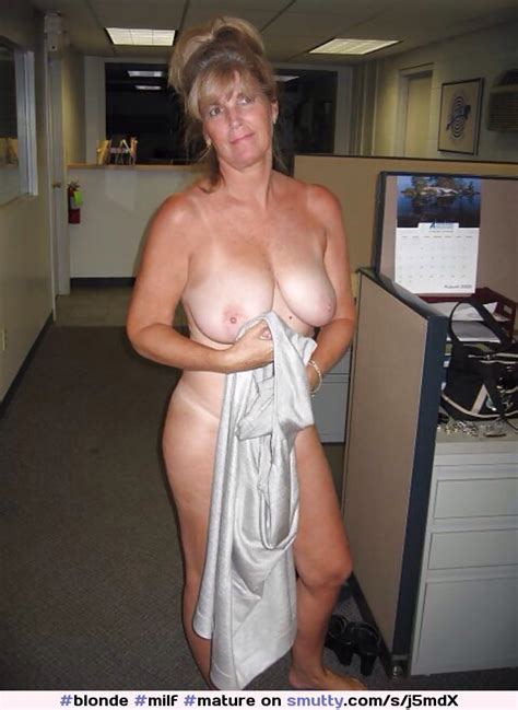 Blonde Milf Mature Coveringpussy Topless