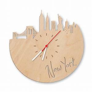 Schriftzüge Aus Holz : wanduhr aus holz skyline new york einfach pers nlich schenken ~ Frokenaadalensverden.com Haus und Dekorationen