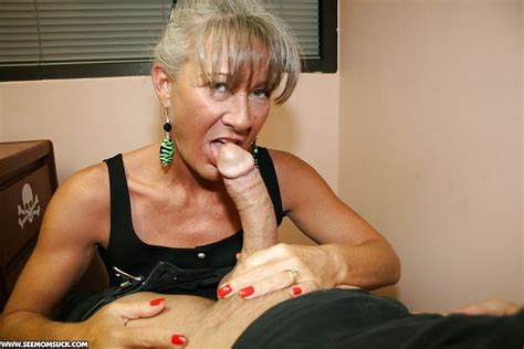 Mature Secretary In Glasses Gives A Great Blowjob To Her