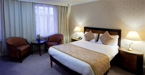disabled facilities sachas hotel manchester britannia
